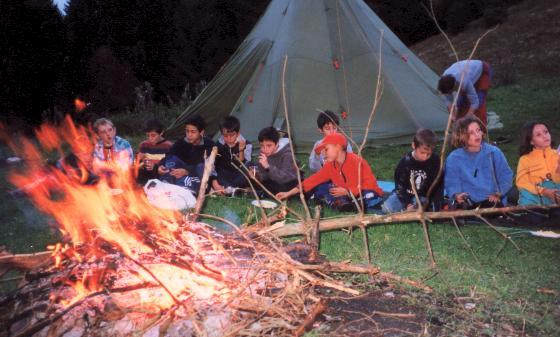 bricolage tipi indien excellent tente enfant tipi indien orange kidkraft with bricolage tipi. Black Bedroom Furniture Sets. Home Design Ideas